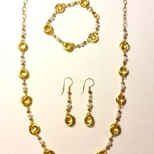 Gold Mobius Chainmaille and pearl bead jewelry set